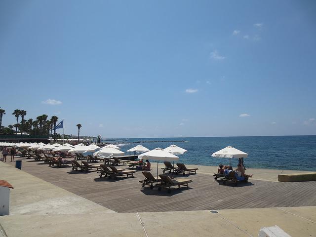 Kato Pafosz városi strandja